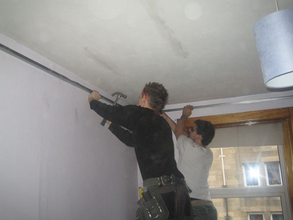 Stage 2: Ceiling perimeter fixing